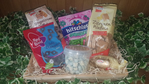 Sweet Tooth Hamper (No. 2)